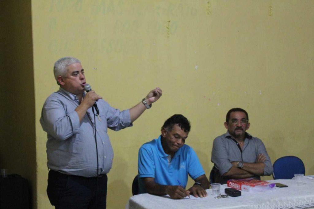 Reunião discute sobre projeto de revitalização da feira do Vicente Fialho