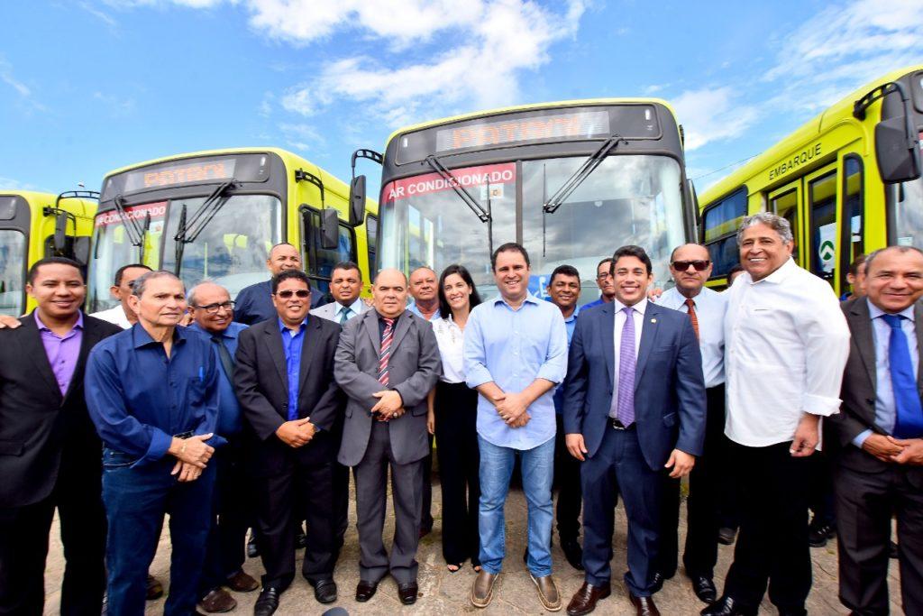 Vereadores prestigiam entrega de novos transportes coletivos para São Luís