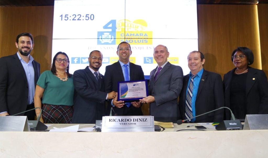 Câmara Municipal homenageia CDL pelos 54 anos de fundação