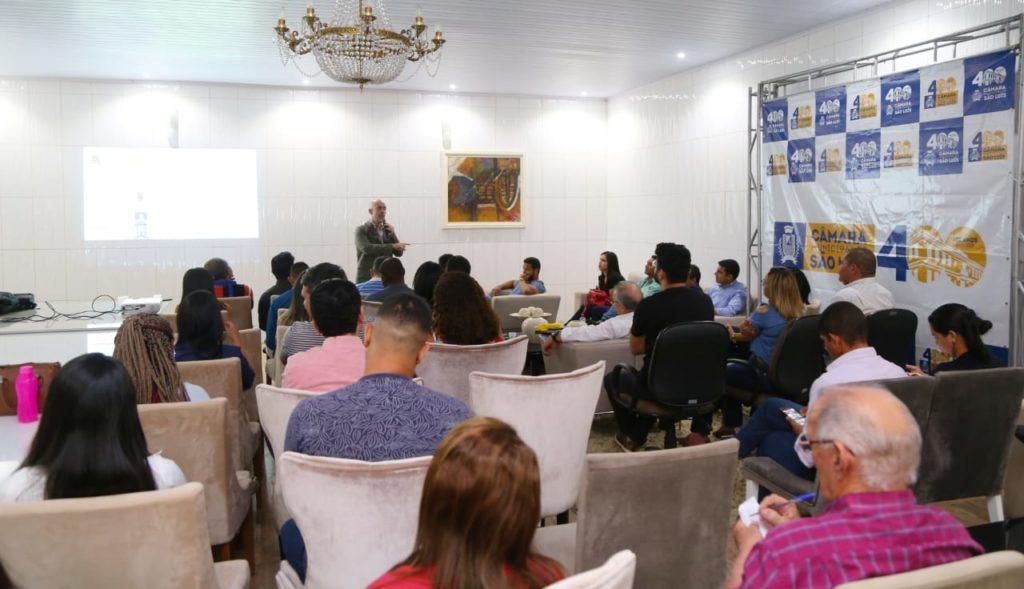Servidores da Câmara de São Luís participam de palestra sobre Marketing Político Digital