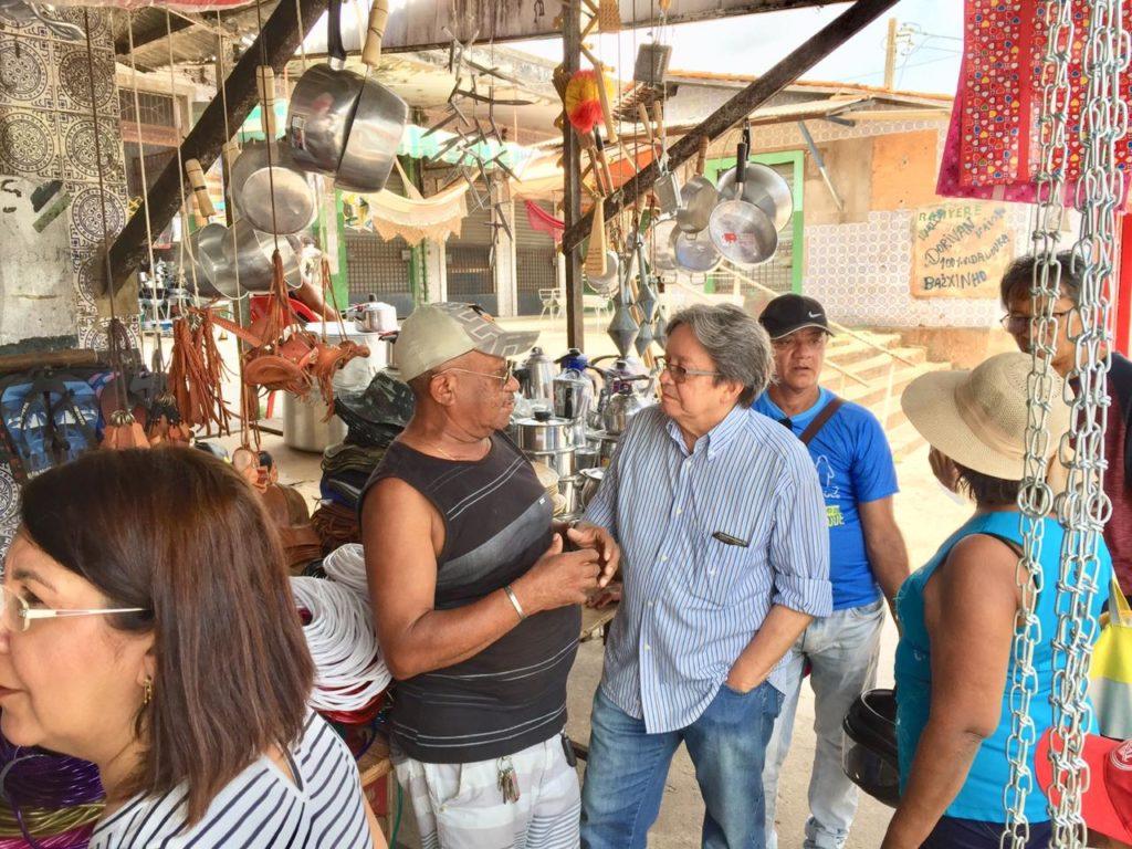 Dr. Gutemberg visita Mercado Central