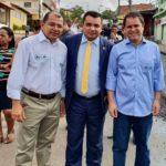 Vereador Edson Gaguinho acompanha início das obras de asfaltamento no bairro Angelim