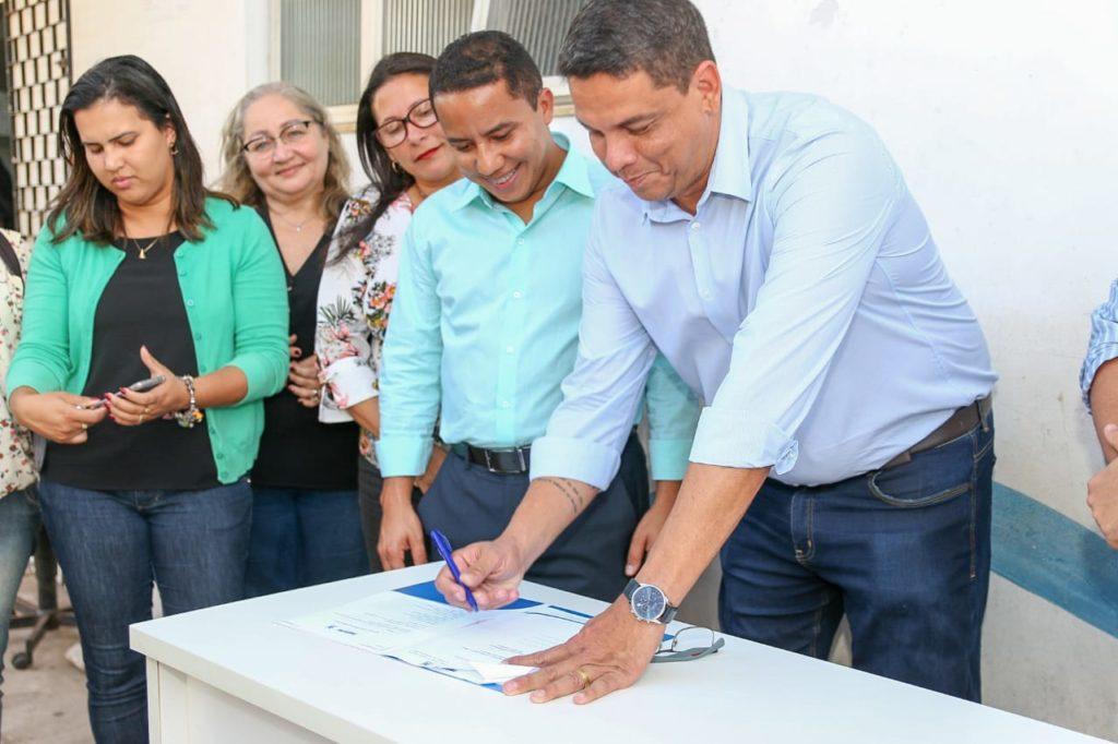 Penha participa de assinatura da ordem de serviço para reforma da Unidade Mista do São Bernardo