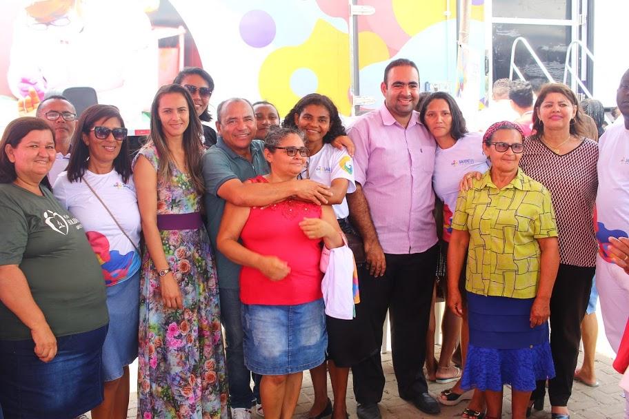 Genival Alves participou da programação e recebeu os agradecimento dos moradores.