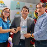 Osmar Filho visita APAE e anuncia novos recursos de emenda parlamentar