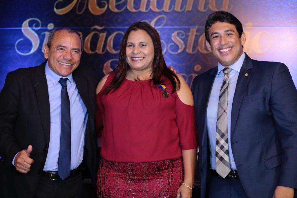 Genival, Rosiana e o presidente da Casa, Osmar Filho.