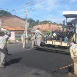 A pedido de Fátima Araújo, Prefeitura pavimenta ruas no Santo Antônio e Pirapora