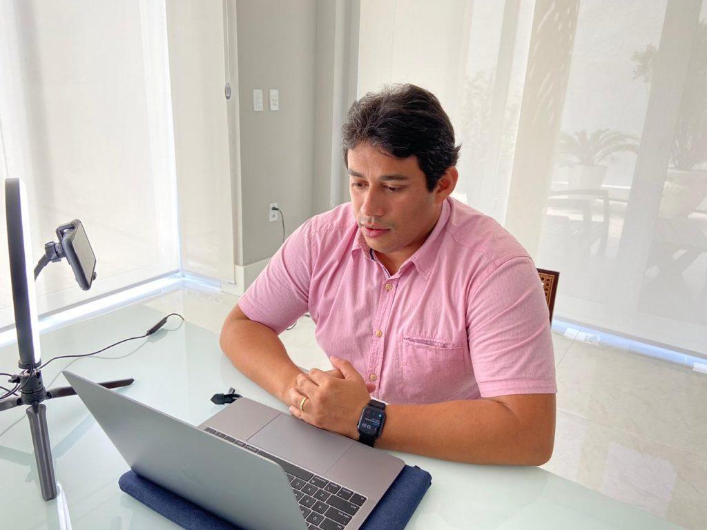 Osmar Filho continua comandando as sessões remotas da Câmara Municipal.