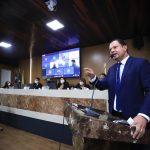 Umbelino Júnior critica gestão municipal e enfatiza importância dos institutos sociais