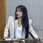 """Fátima Araújo cria PL que visa instituir o """"Adote uma Praça"""""""