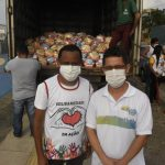 Marcos Castro realiza entrega de cestas básicas no bairro da Ilhinha